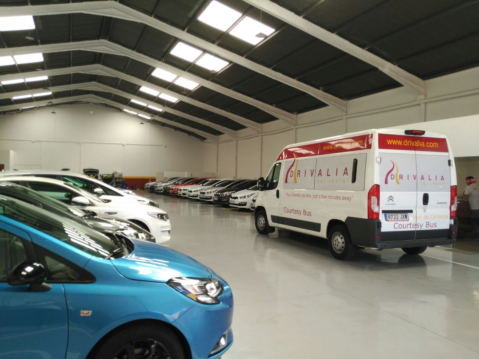 Drivalia´s new completely indoor car hire facility at Valencia airport