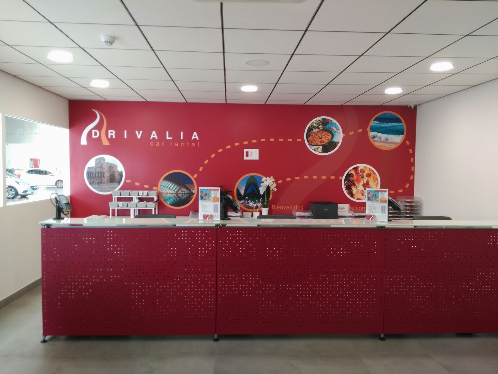 Drivalian reception where we welcome customers to their all-inclusive car hire at Valencia airport