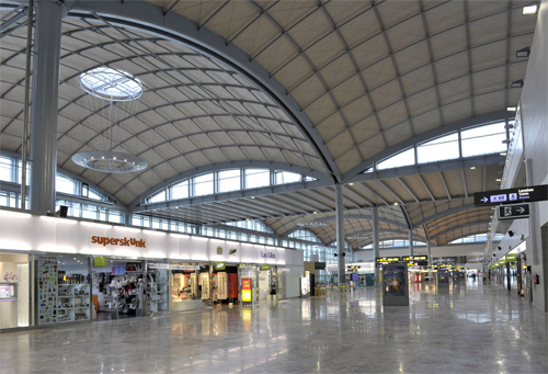 Shopping Arcade, Alicante Airport